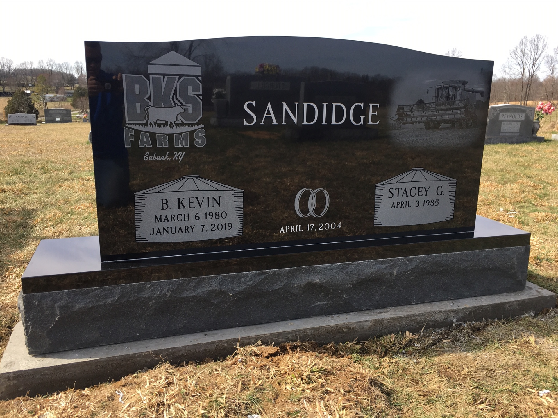 Sandidge Family - Premium Black granite